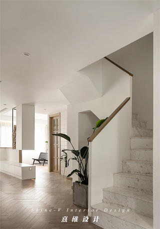 160平复式三居楼梯装修效果图
