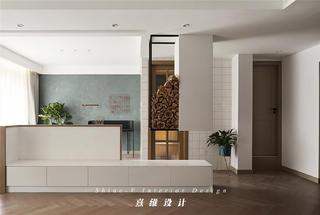 160平复式三居装修地台柜设计