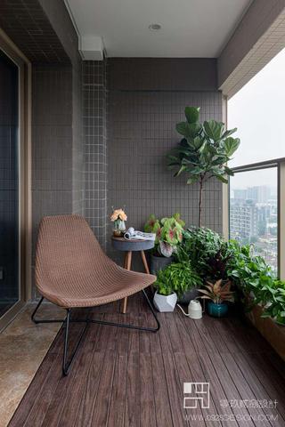168平米现代风格阳台装修效果图