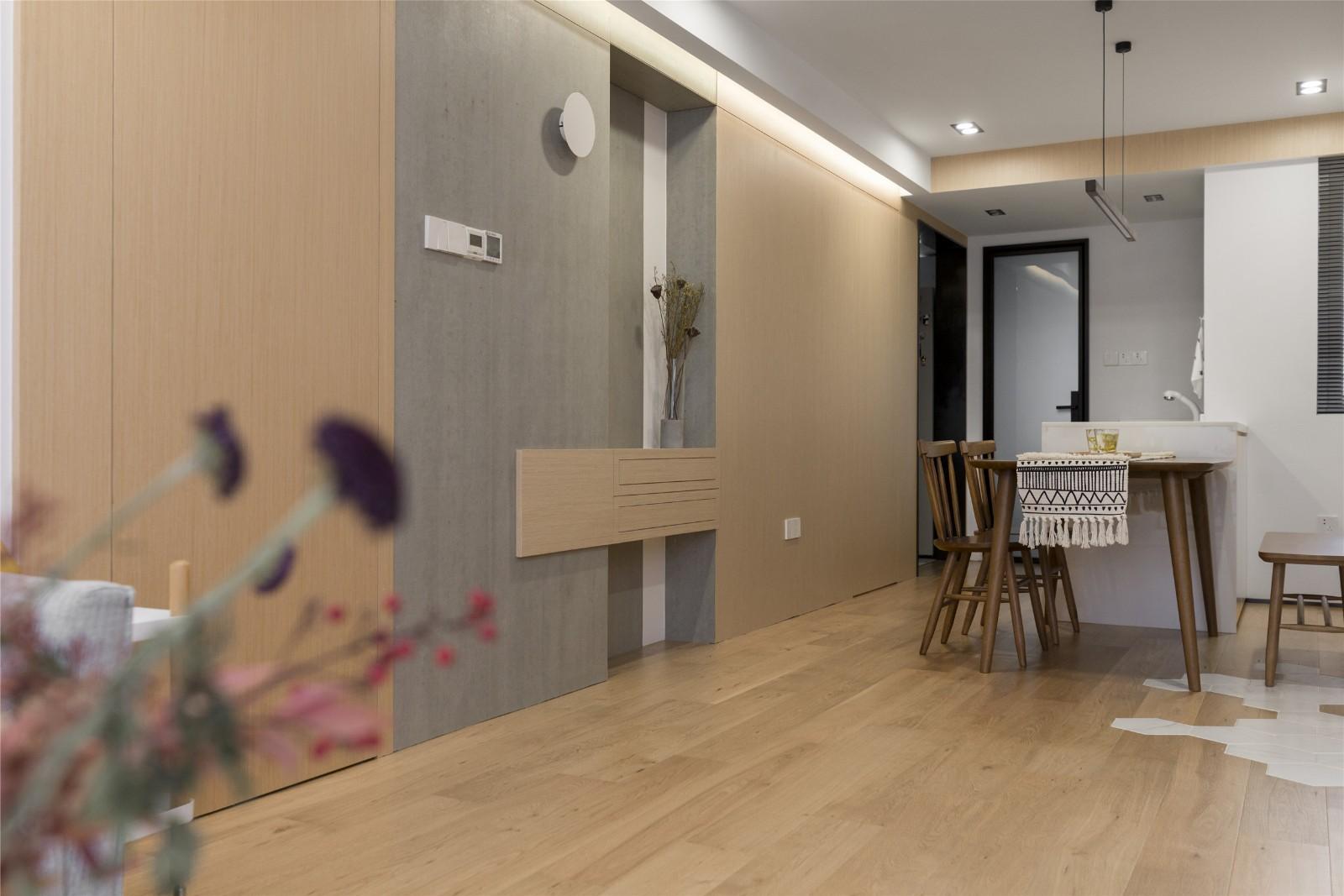 北欧风格两居室木饰墙面装修效果图