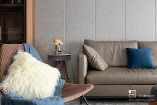 168平米现代风格装修沙发一角