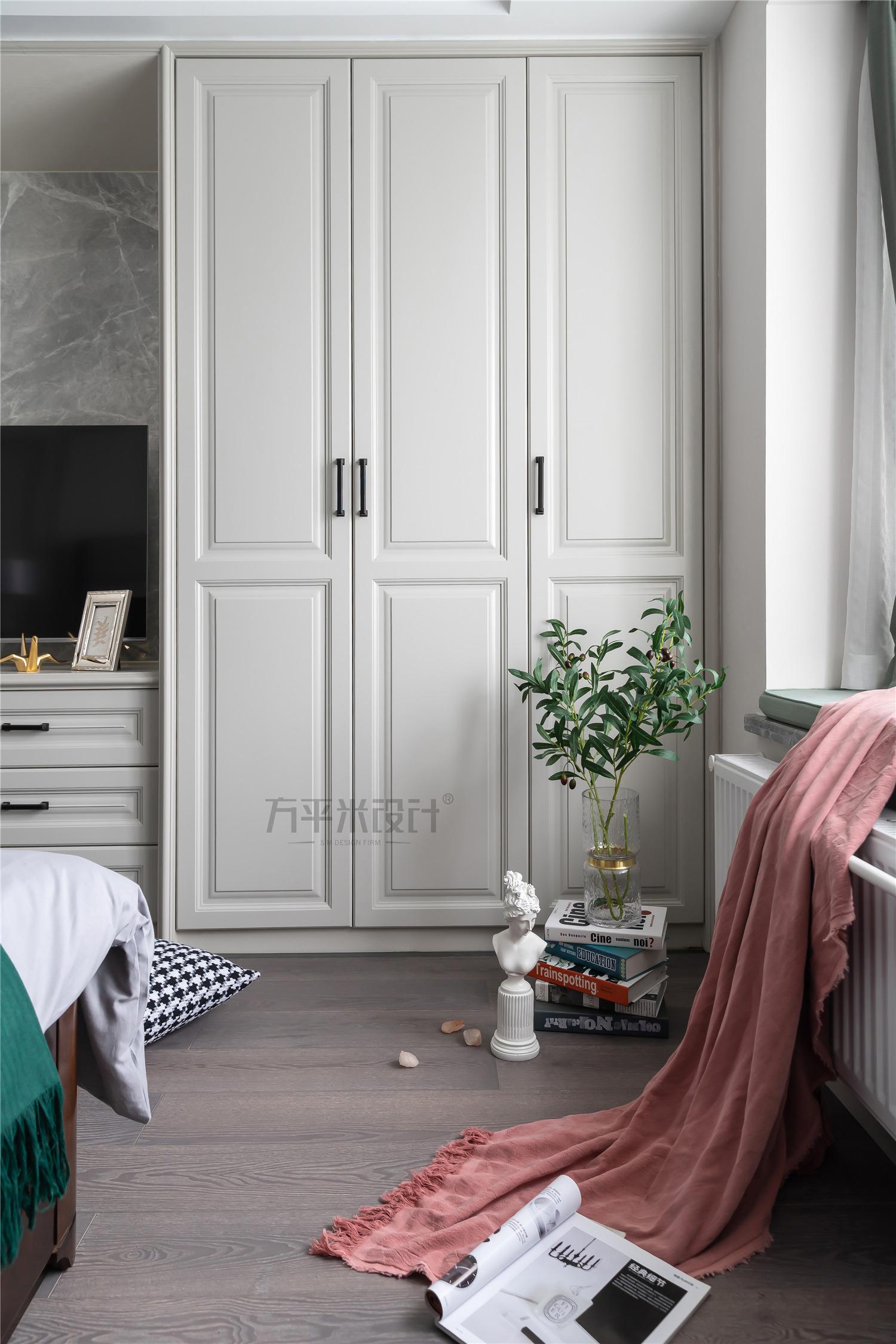 142㎡现代美式风装修衣柜设计