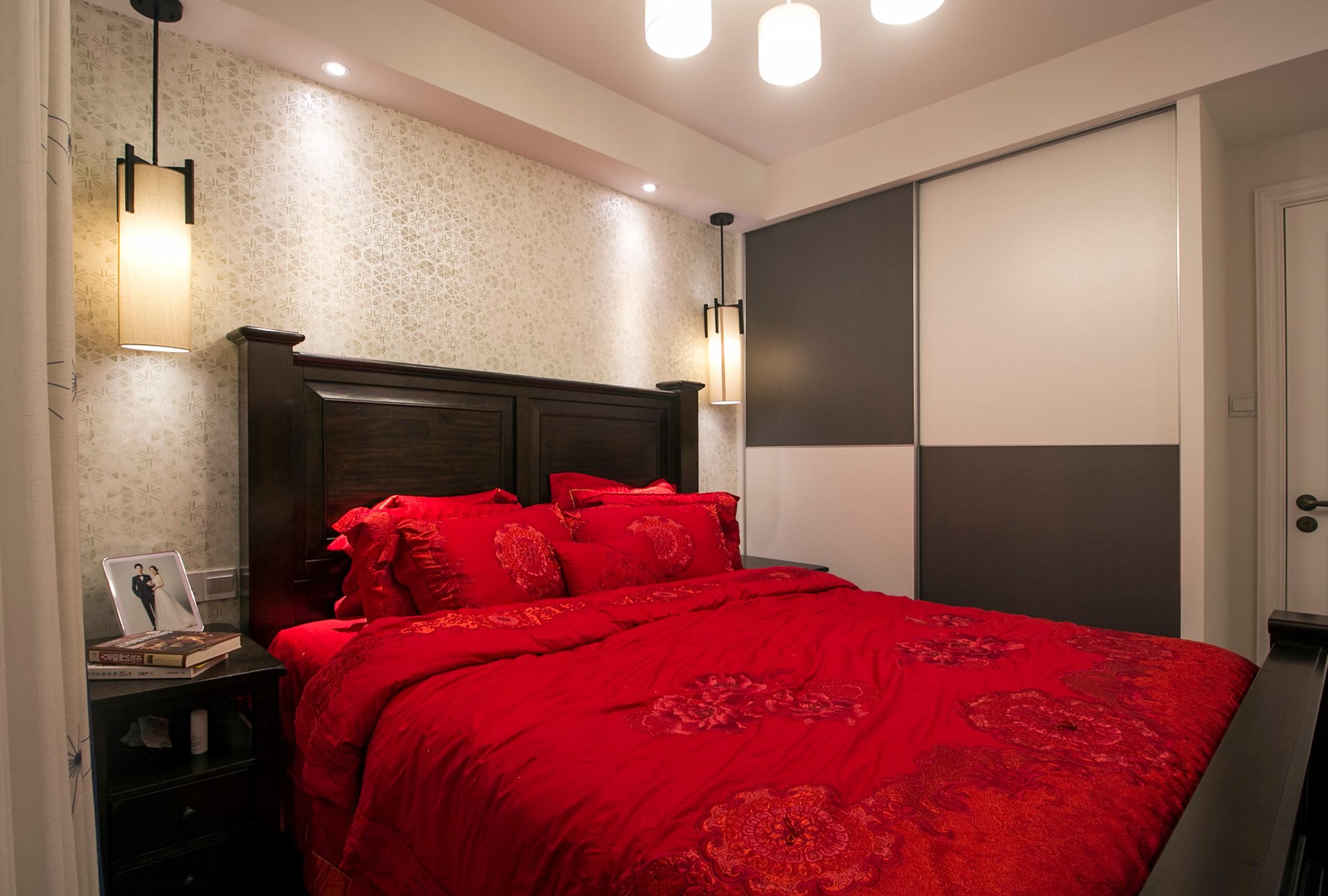 82平美式风格卧室装修效果图
