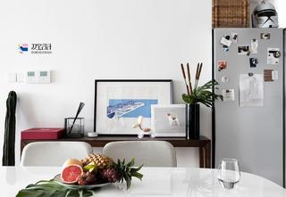 102平现代二居装修餐边桌装饰摆件设计