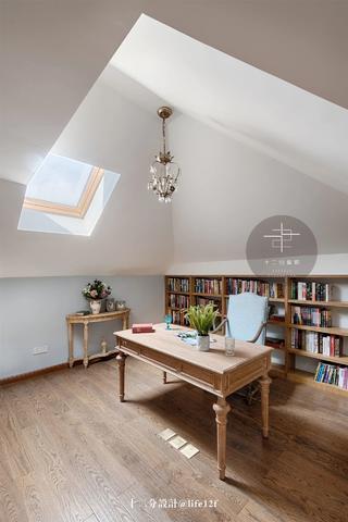 复式法式风格阁楼书房装修效果图