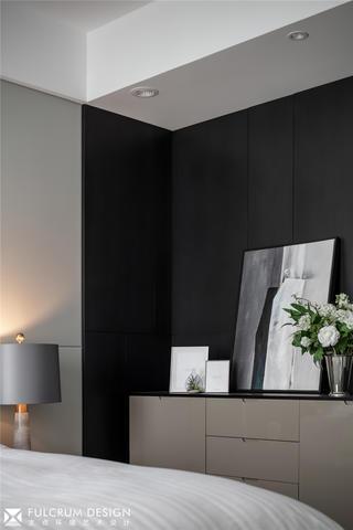大户型现代简约装修卧室边柜设计