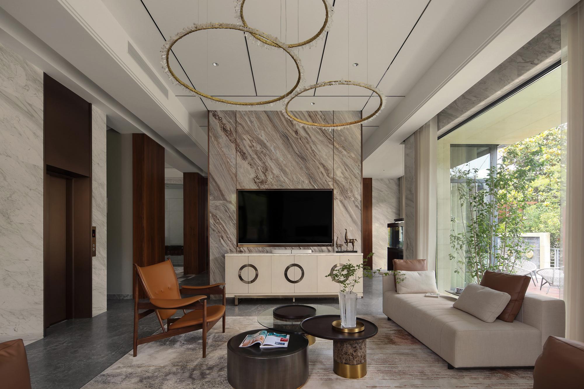 现代风别墅客厅电视背景墙装修效果图