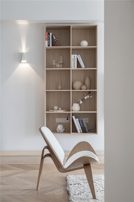 现代极简风四居装修格子展示柜设计