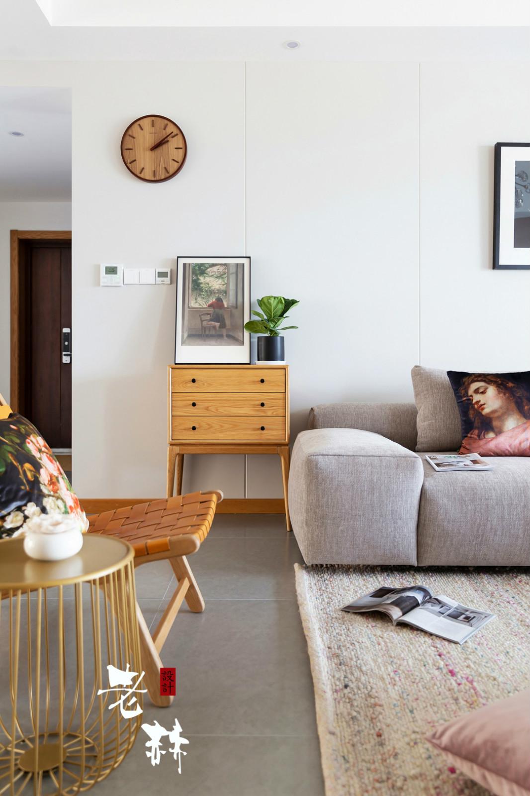 大户型北欧风装修沙发边柜设计
