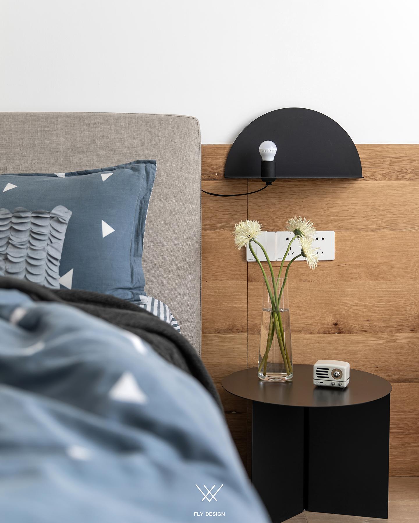 北欧休闲风两居装修床头灯设计图