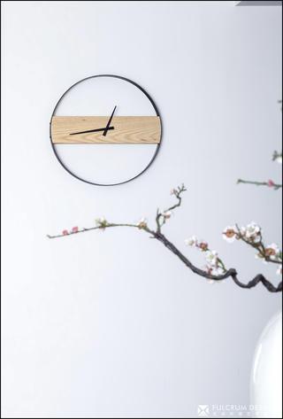 180平新中式风格装修极简挂钟设计