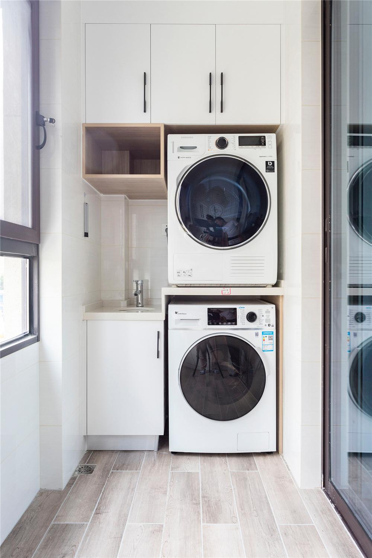 北欧风格三居阳台洗衣区装修效果图