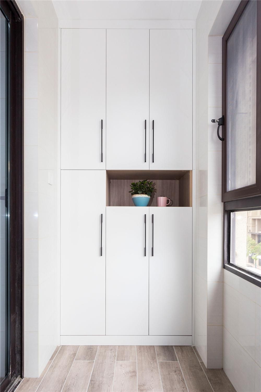 北欧风格三居阳台收纳柜装修效果图