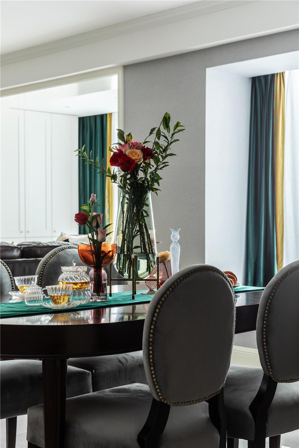 简美风格三居餐厅装修效果图
