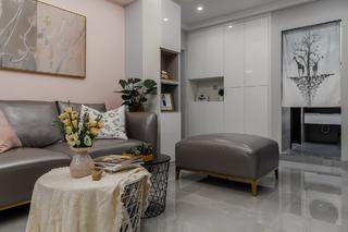 70平米二居室装修客厅一角