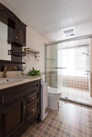 112平美式风格卫生间装修效果图