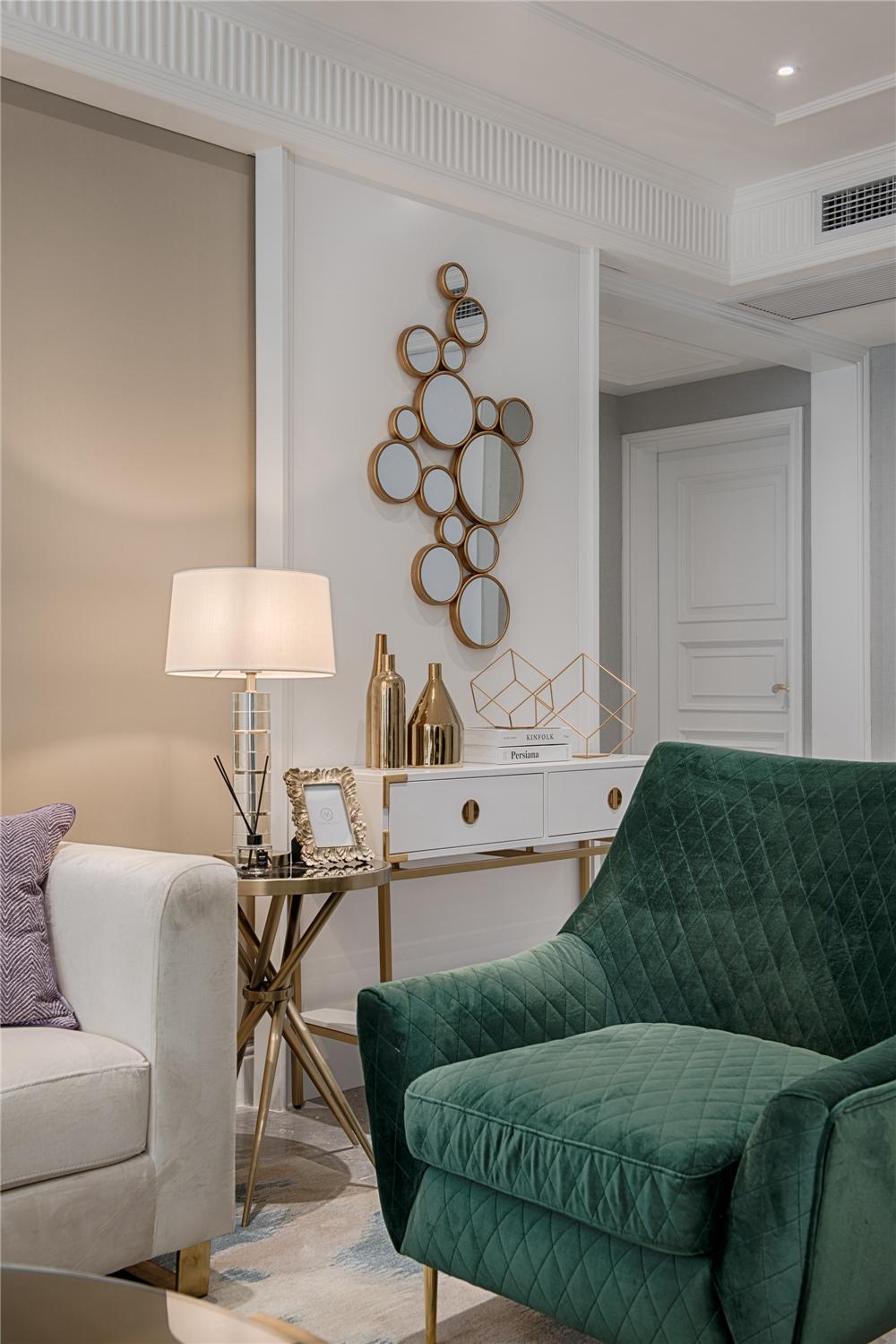 轻奢现代风三居室装修单人沙发设计
