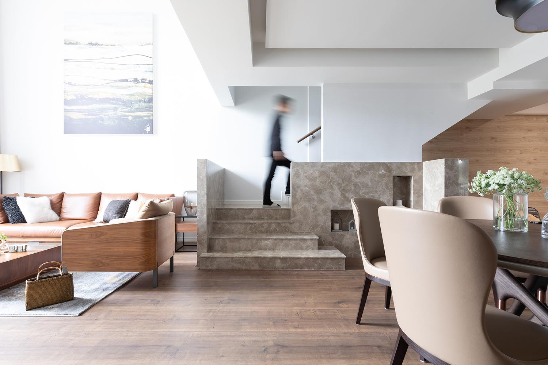 简约现代风格别墅楼梯装修效果图