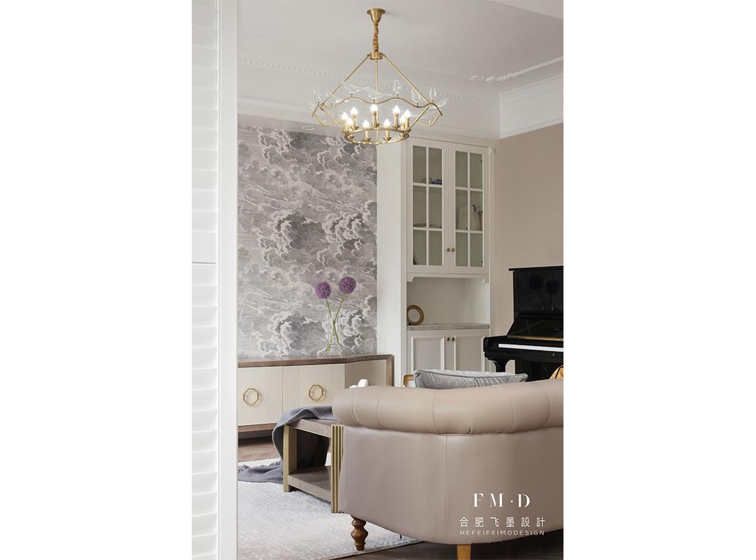 140㎡美式四居装修客厅吊灯设计