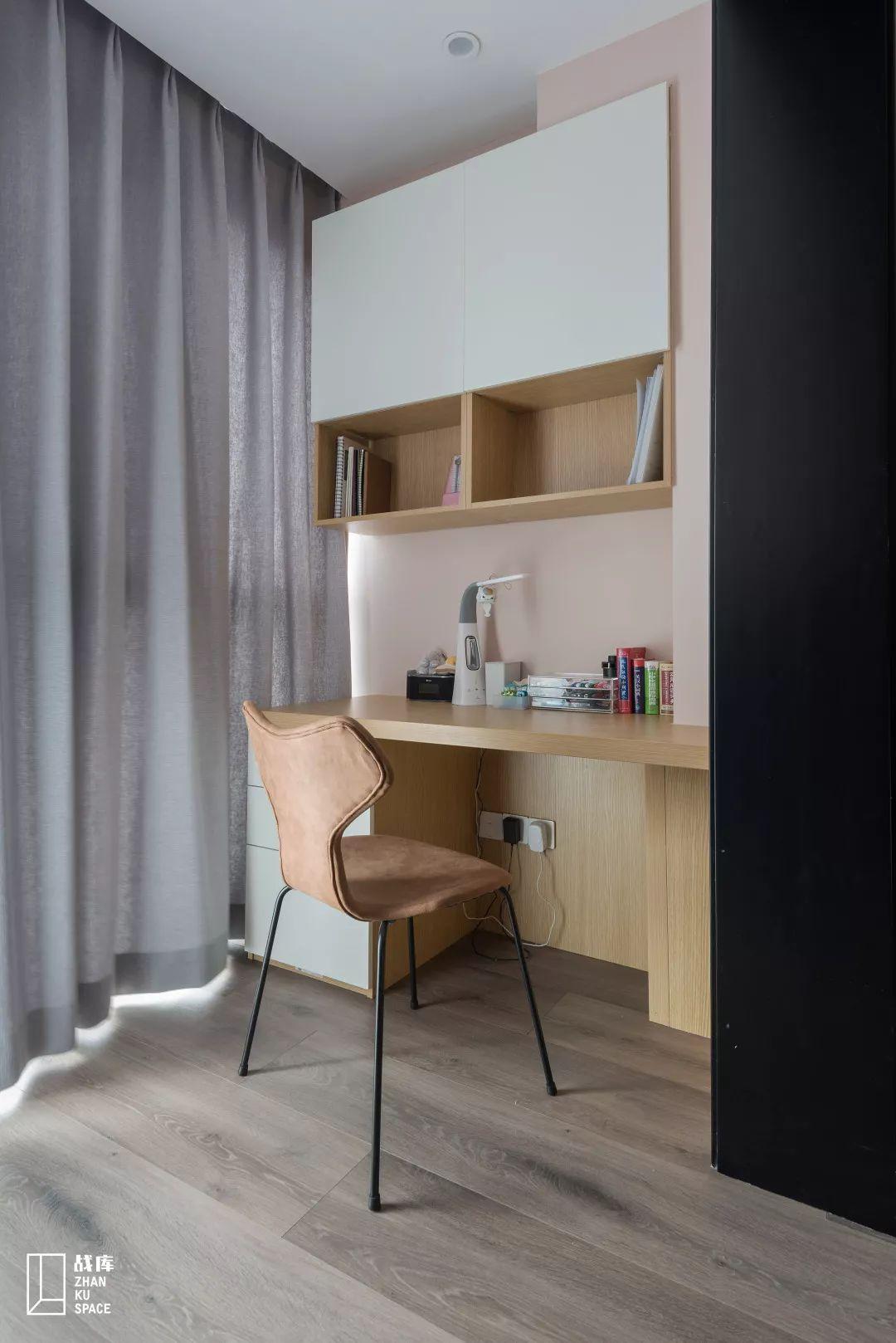 110平米现代风装修阳台书桌设计图