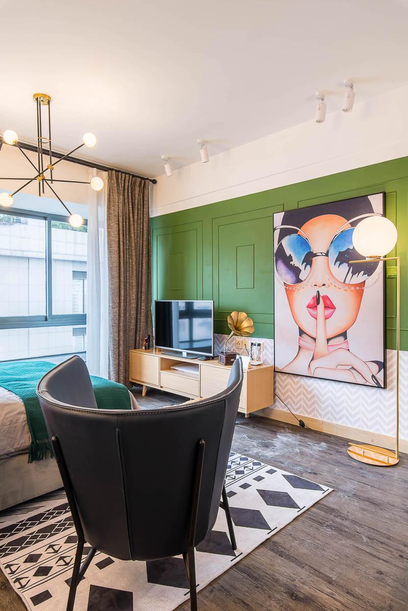 小户型复古风公寓电视背景墙装修效果图