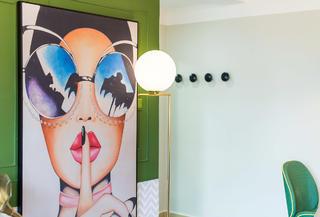 小户型复古风公寓装修挂画设计
