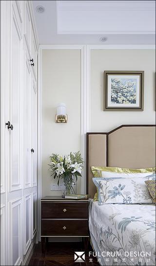 大户型轻奢美式装修床头柜设计图