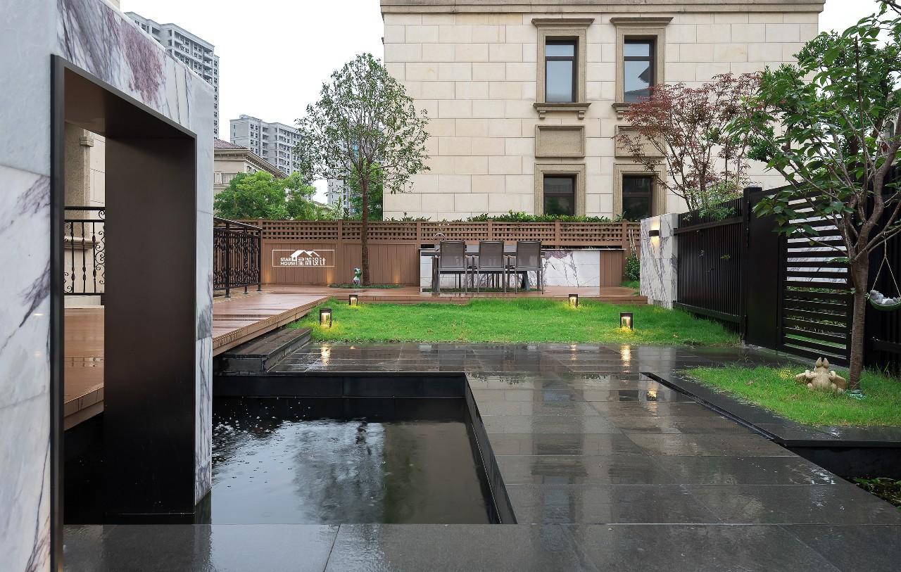 后现代风格别墅庭院装修效果图