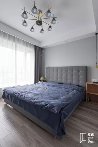 120平现代简约卧室装修效果图