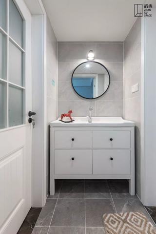 80平米三居室卫生间装修效果图