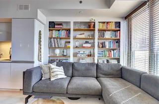 混搭风格一居室沙发背景墙装修效果图