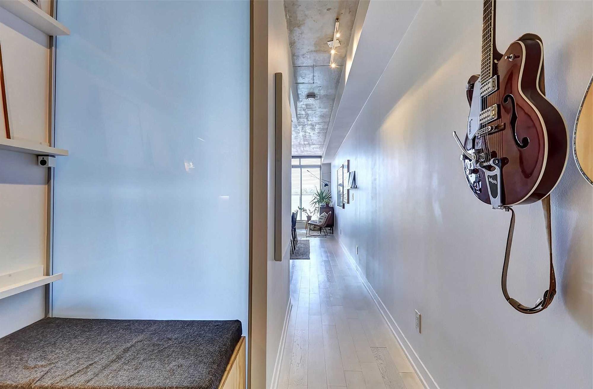 混搭风格一居室过道装修效果图