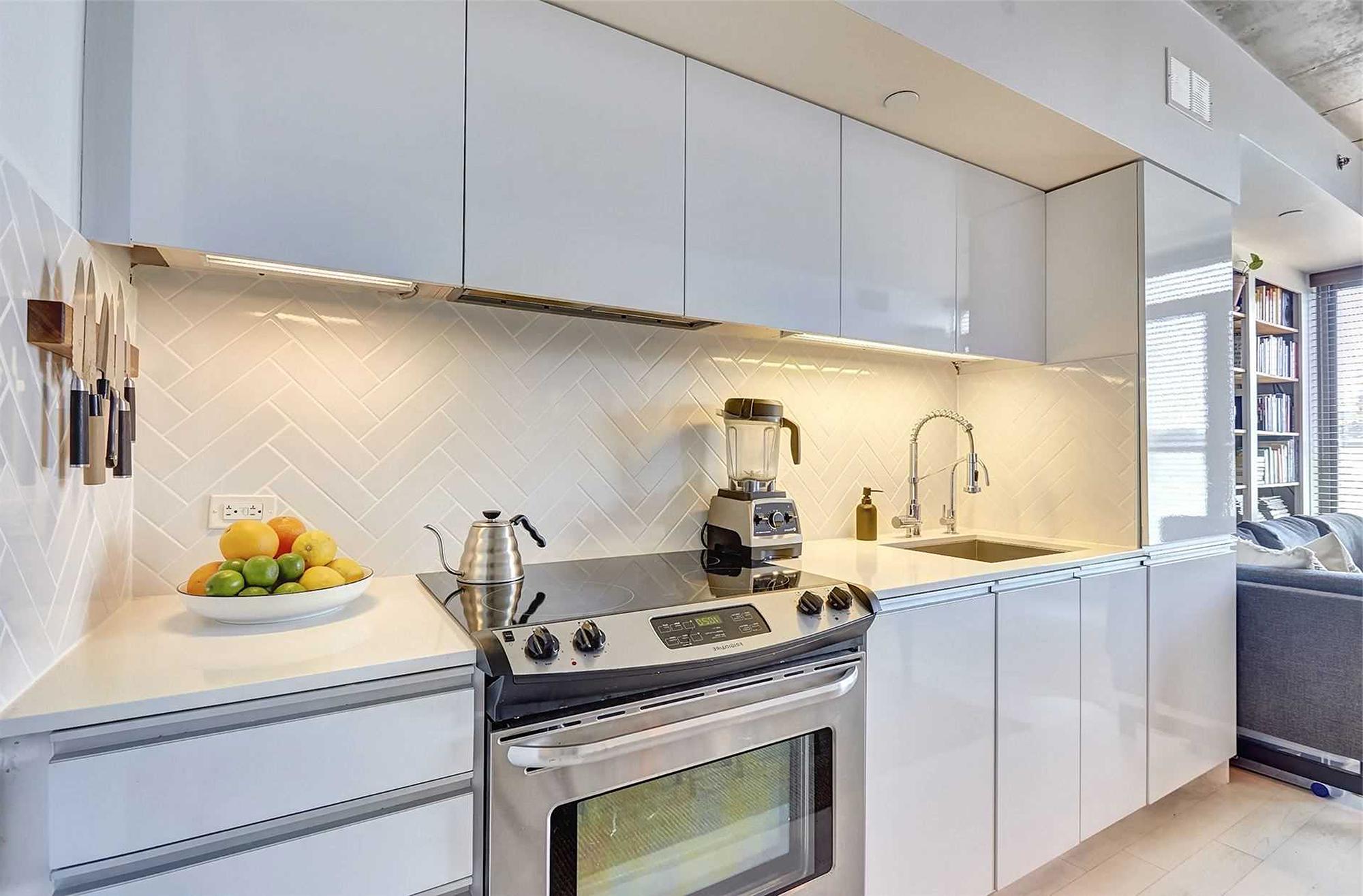 混搭风格一居室厨房装修效果图