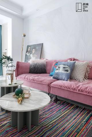 70平米两居室装修沙发设计图