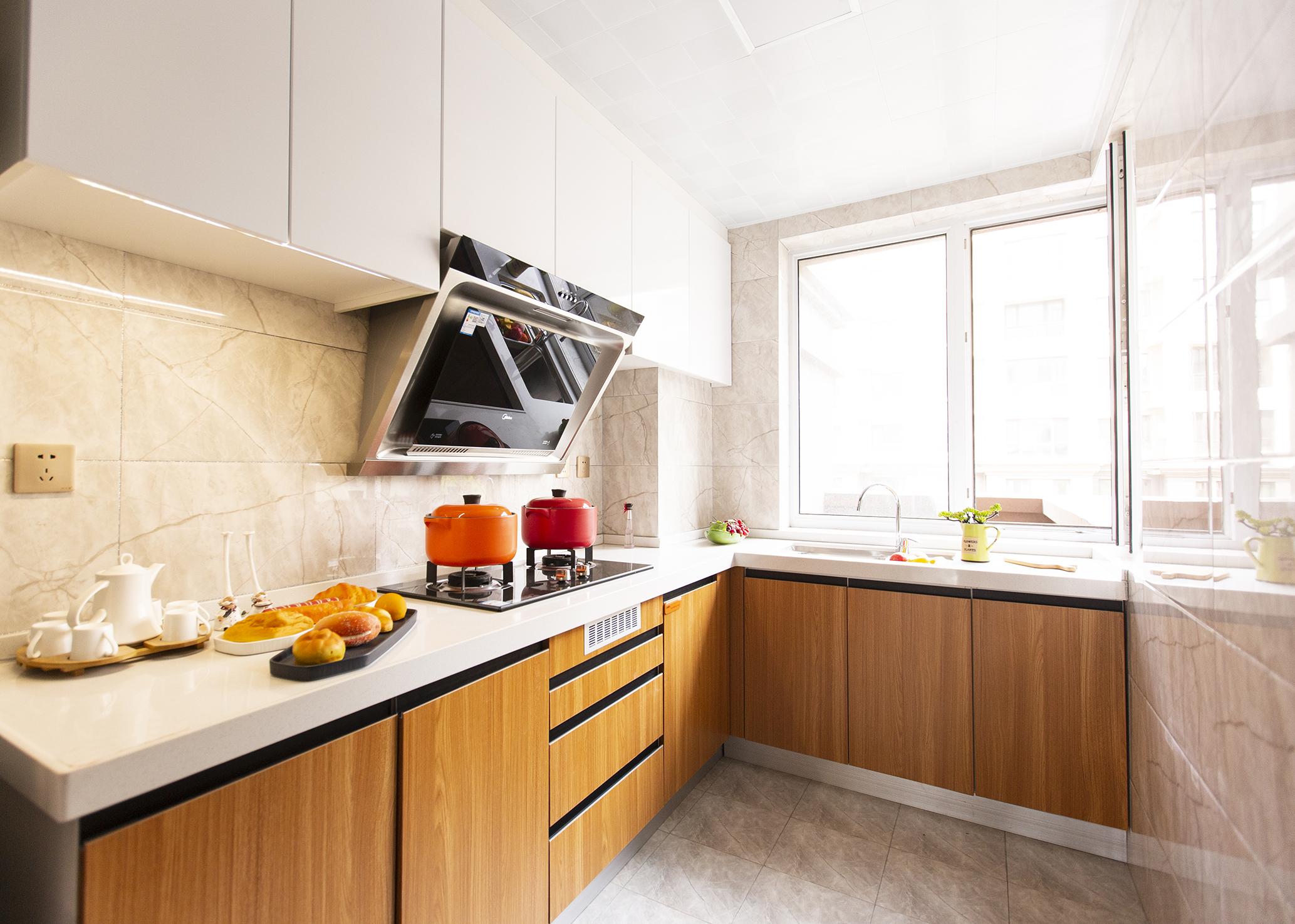 74平米二居厨房装修效果图
