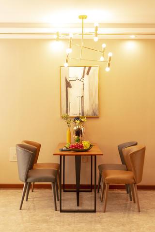74平米二居室餐厅装修效果图