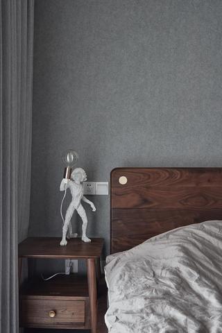 混搭风格三居装修床头灯饰设计