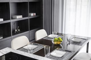148㎡现代风格装修餐桌布置图