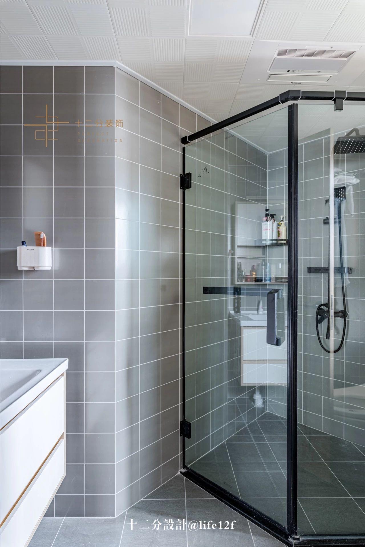 日式风格二居卫生间装修效果图