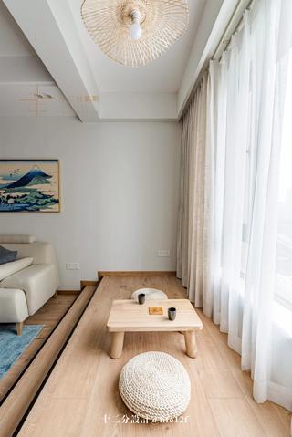 日式风格二居阳台装修效果图