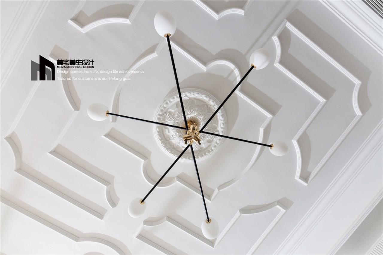 130平美式风客厅吊顶装修效果图