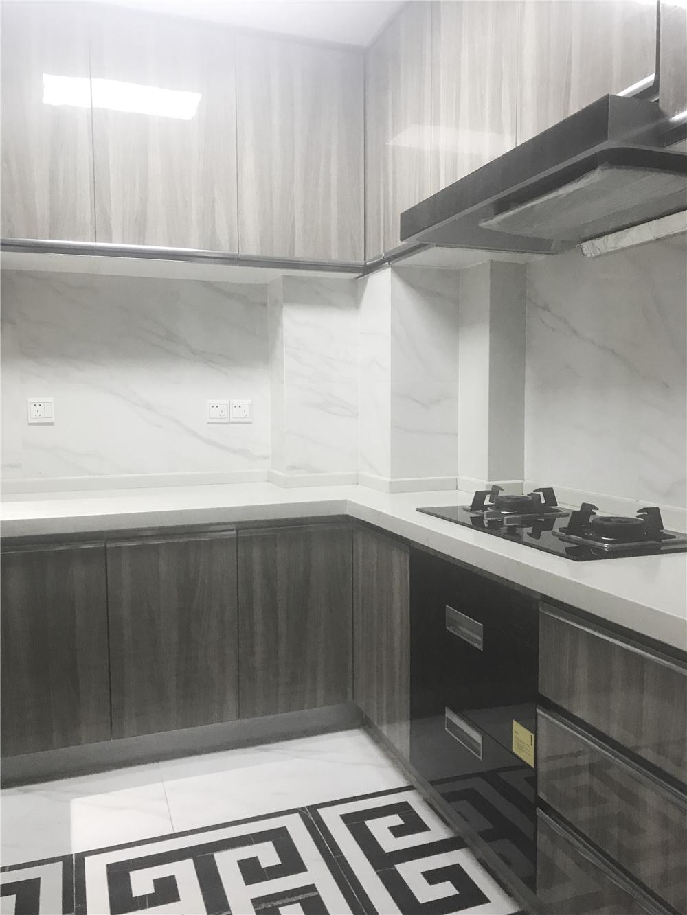 88平现代简约风厨房装修效果图