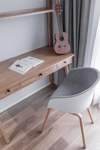 85㎡北欧风三居装修书桌椅设计图
