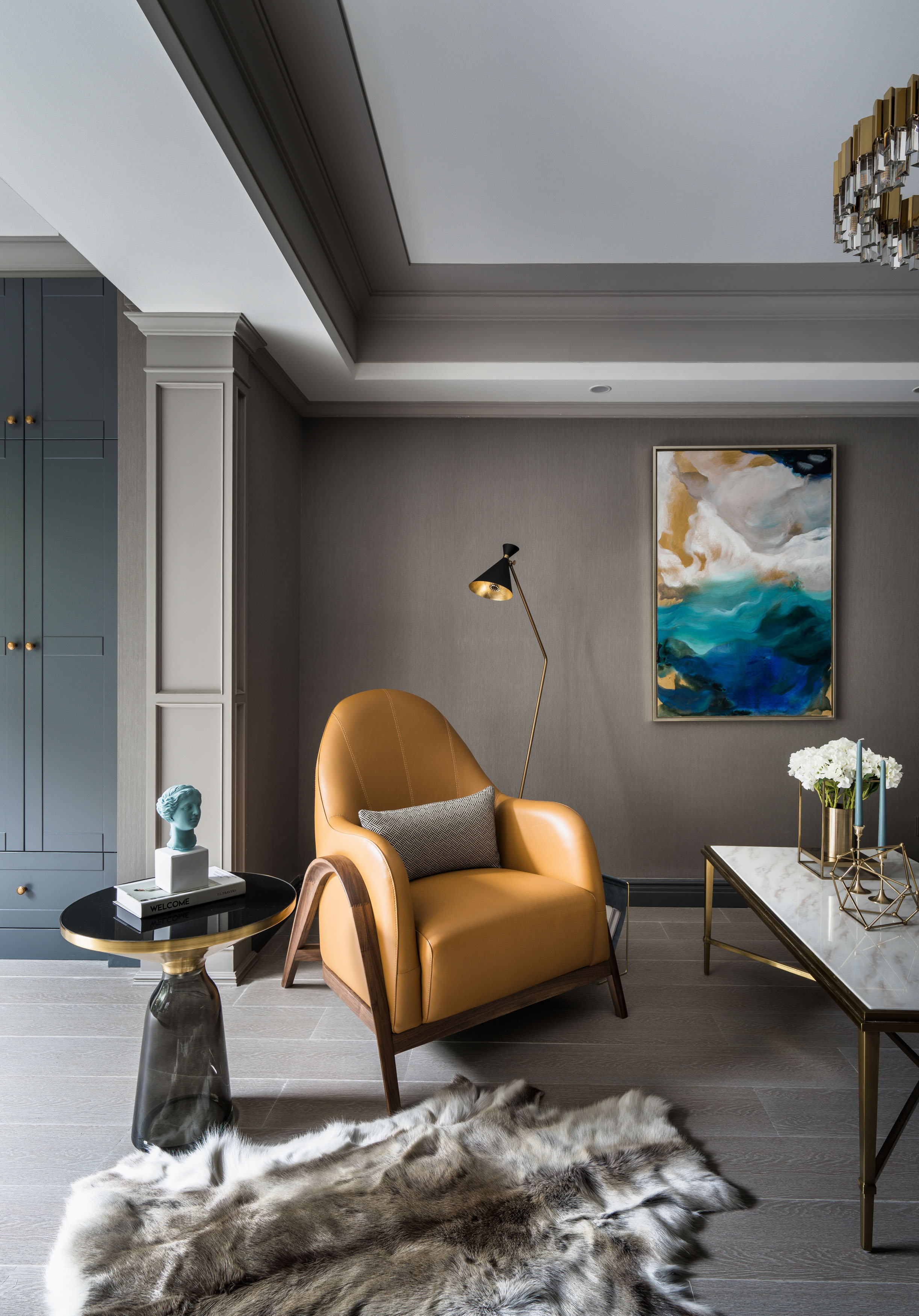 轻奢风两居室装修单人沙发设计