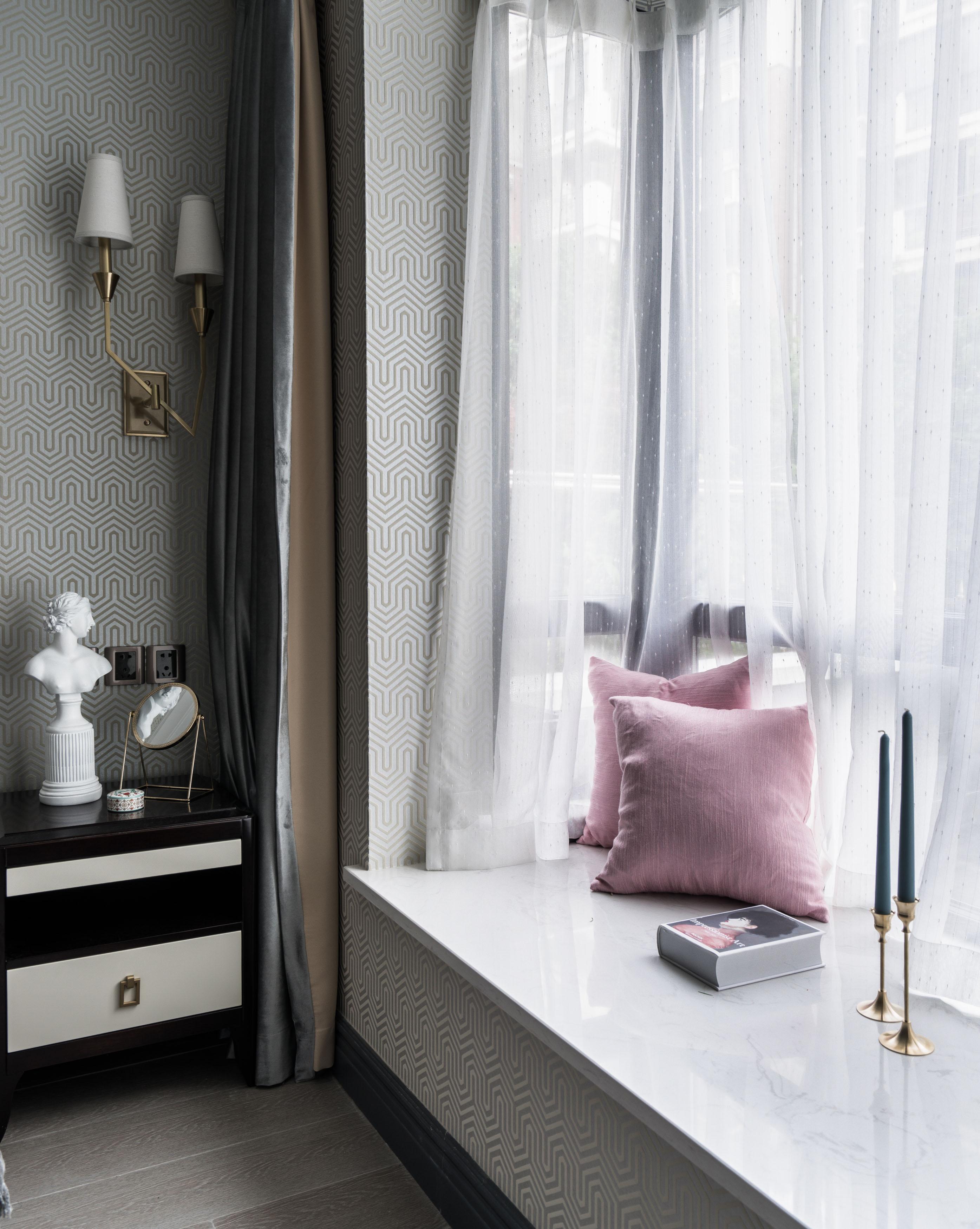 轻奢风两居室飘窗装修效果图