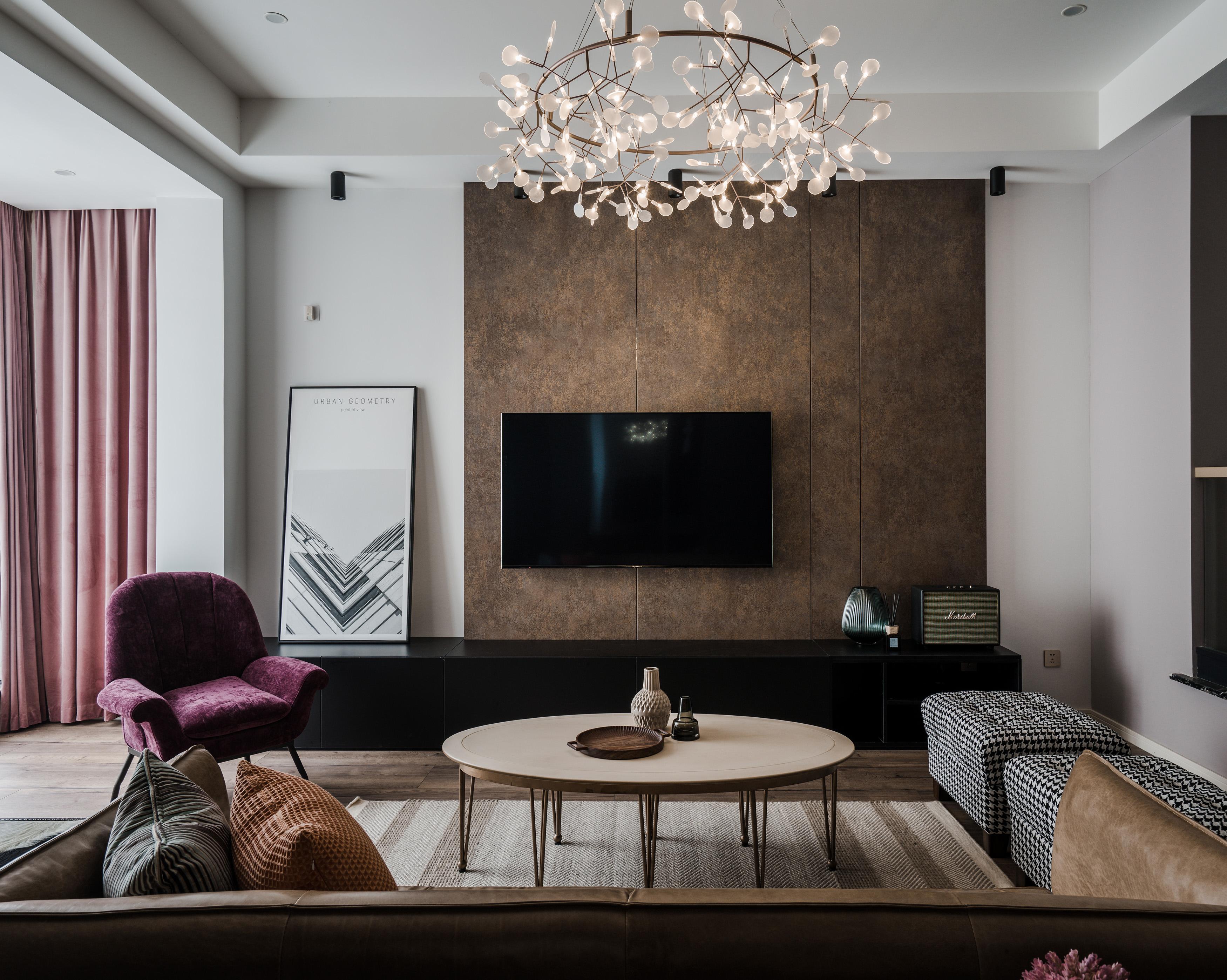混搭风格别墅电视背景墙装修效果图