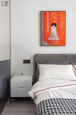 130㎡现代风格装修床头柜设计