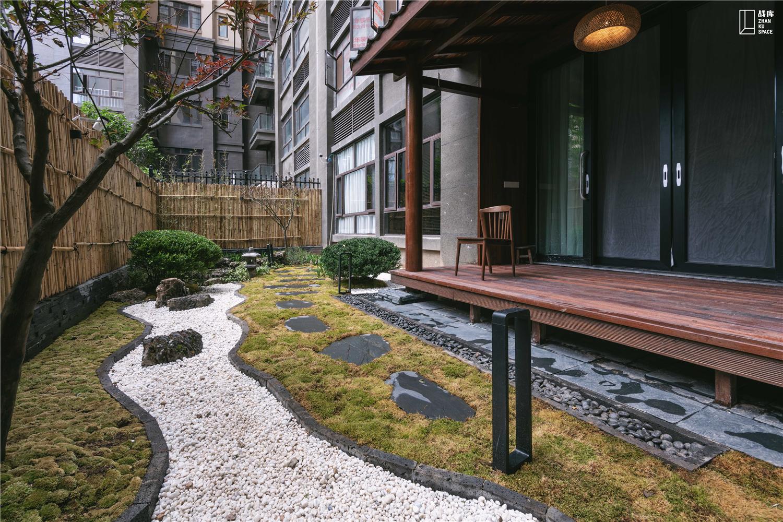 现代混搭三居室庭院装修效果图
