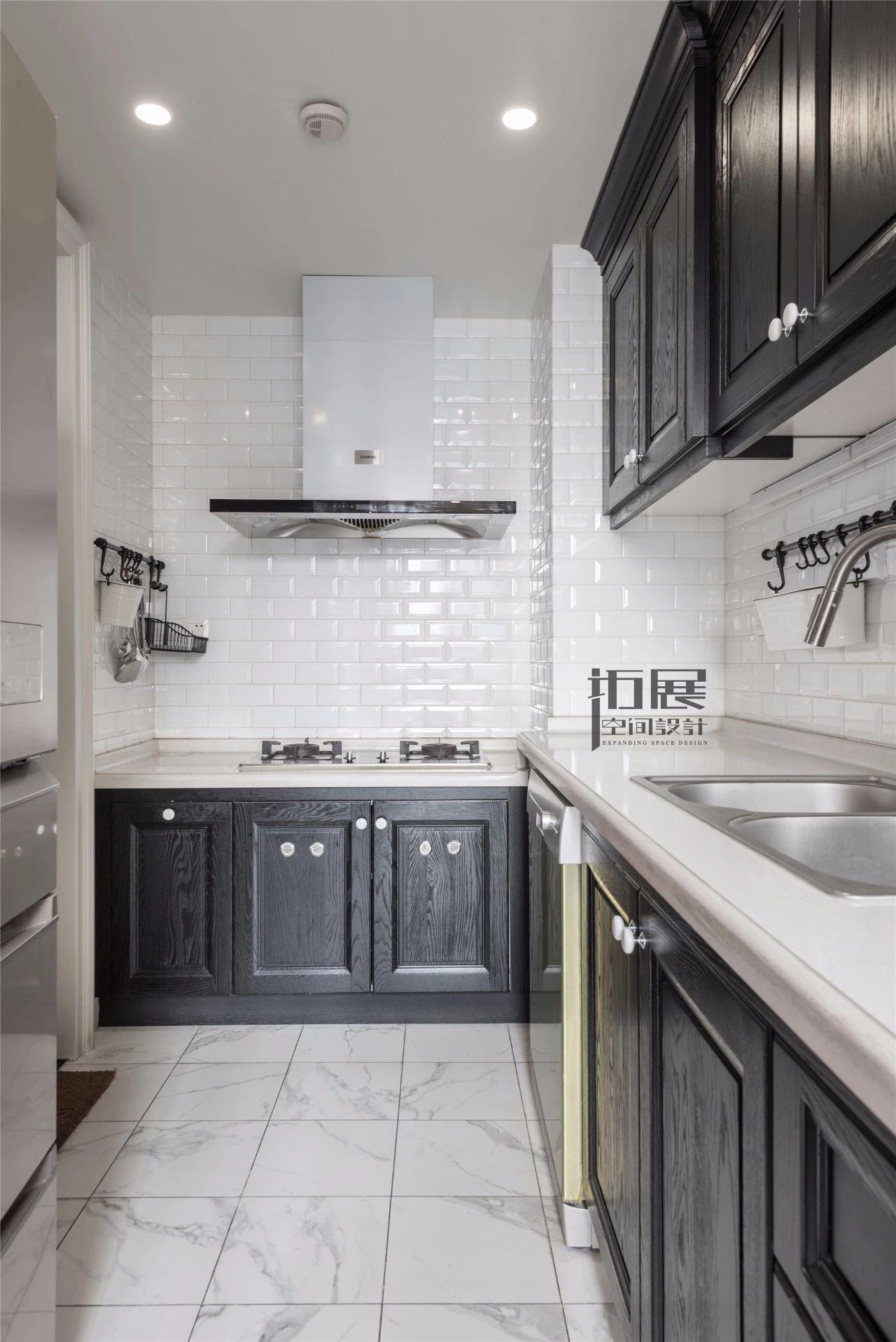 美式乡村风格三居厨房装修效果图