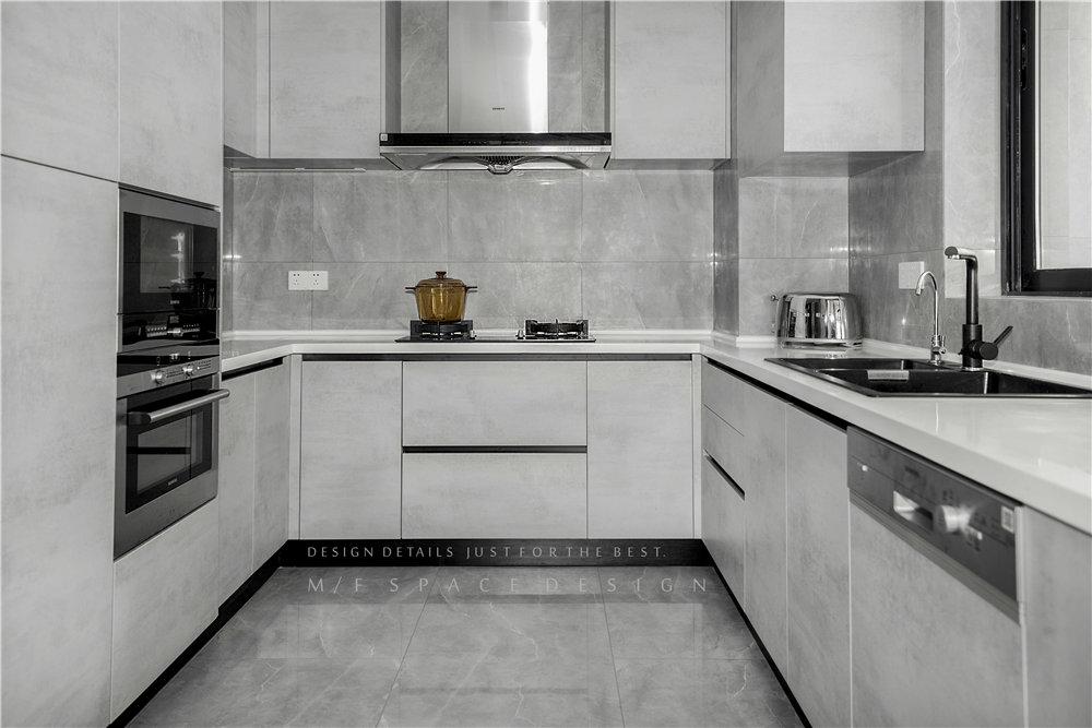 180平现代简约风厨房装修效果图